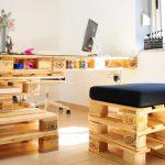Фото 28: Мебель из палллет в кабинете