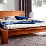 Фото 24: Кровать из массива дерева в современном стиле