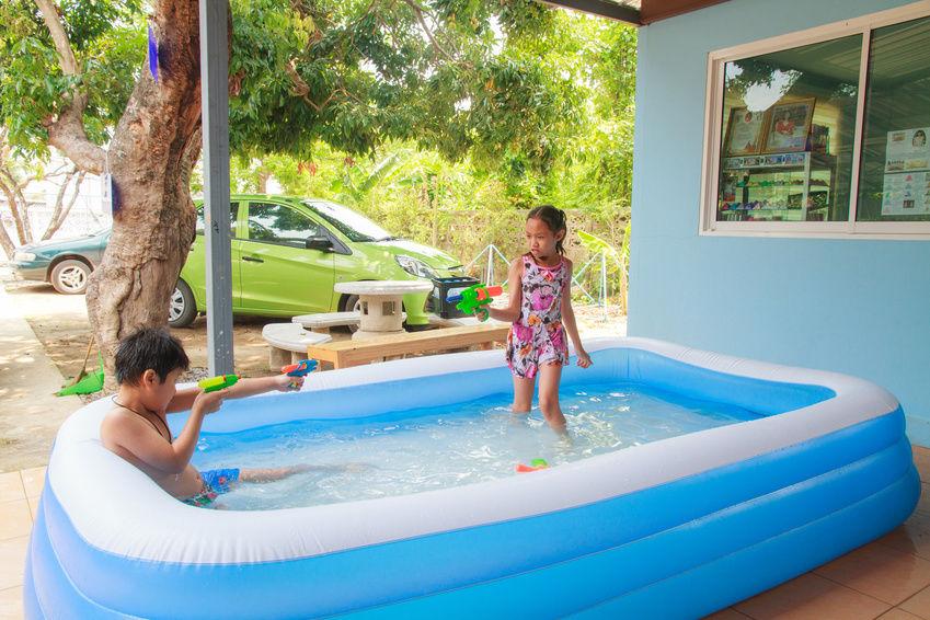Надувной бассейн из трех колец