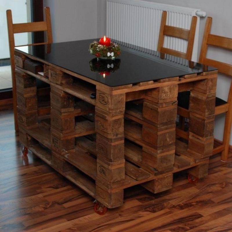 Обеденный стол из паллет