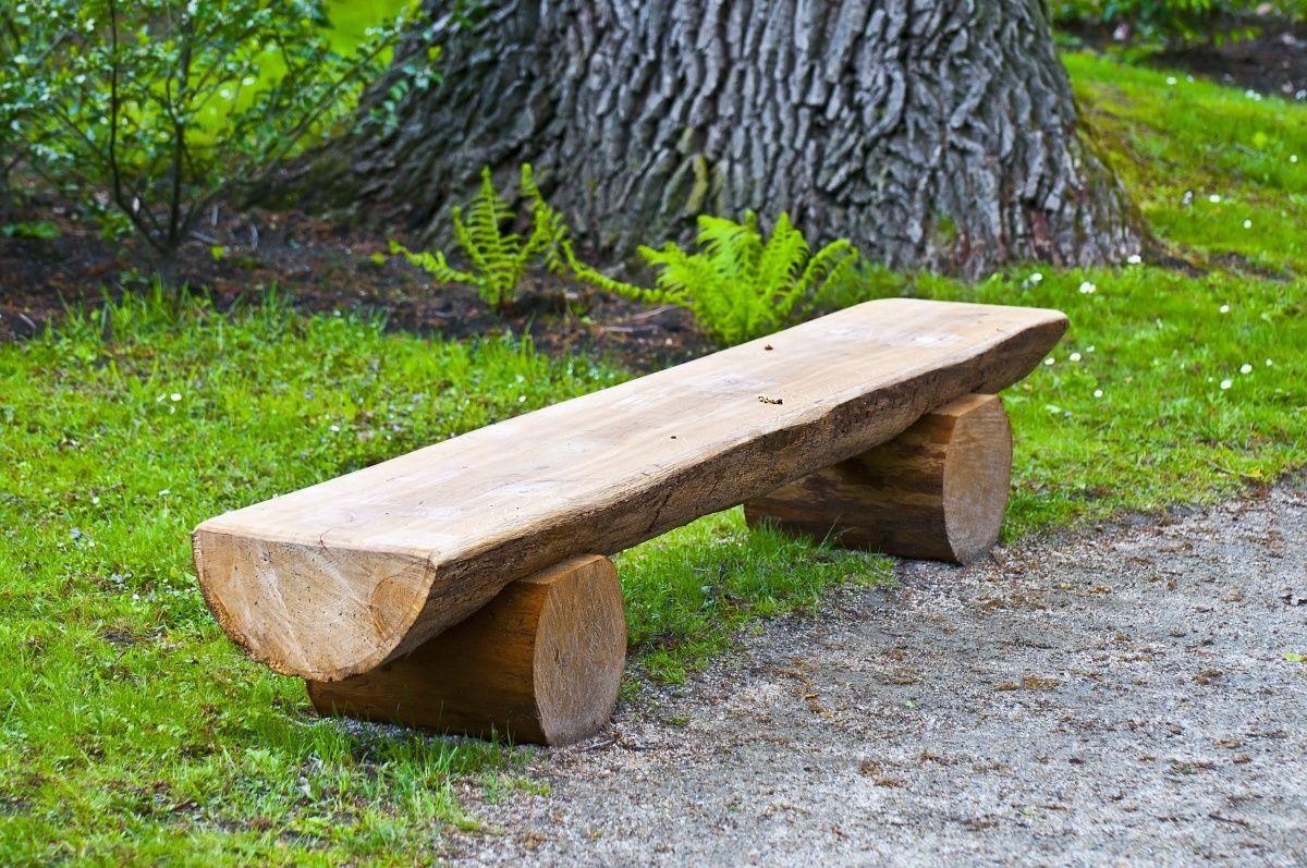 Бревенчатая скамейка
