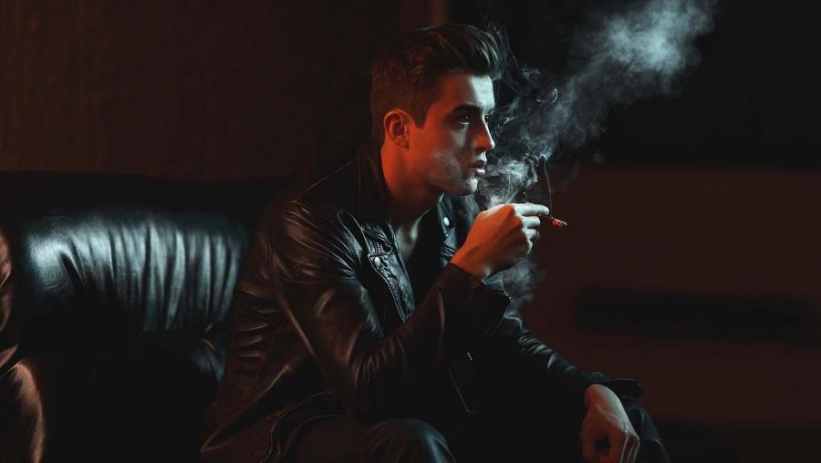 Запах табака на кожаной куртке