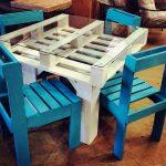 Фото 41: Стол из поддонов и стулья из ящиков и поддонов