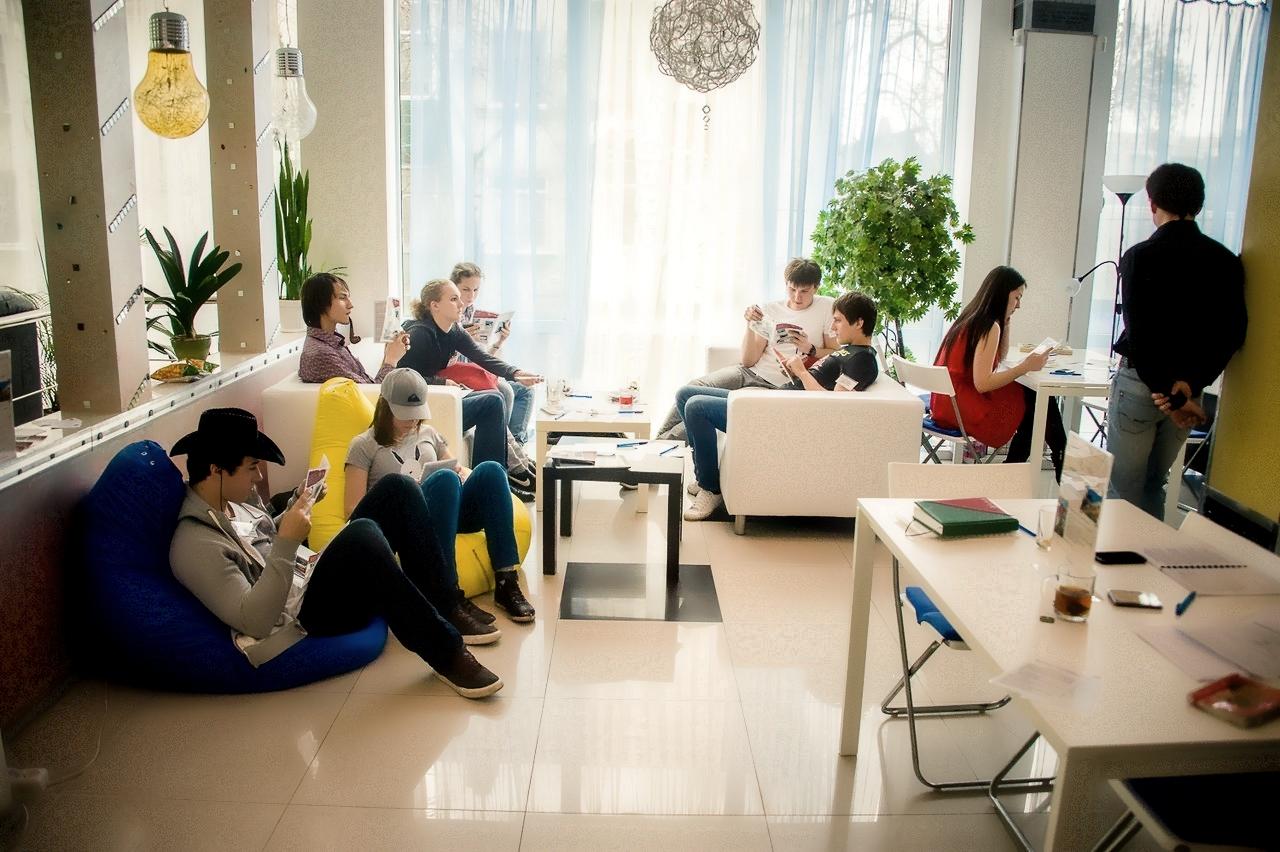 Бескаркасная мебель в бизнес пространствах