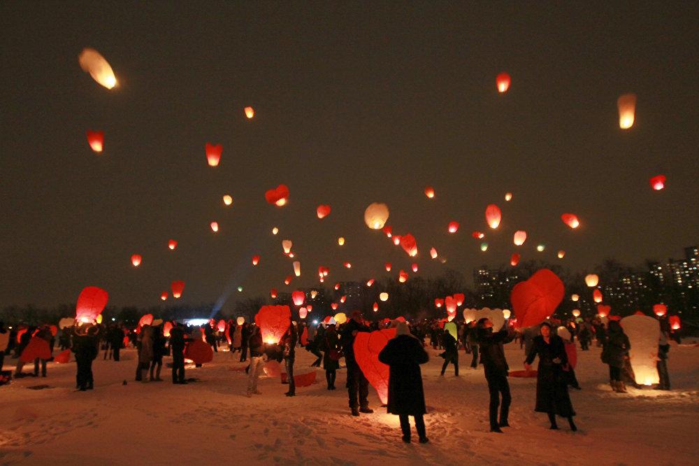 Запуск небесных фонариков на 14 февраля