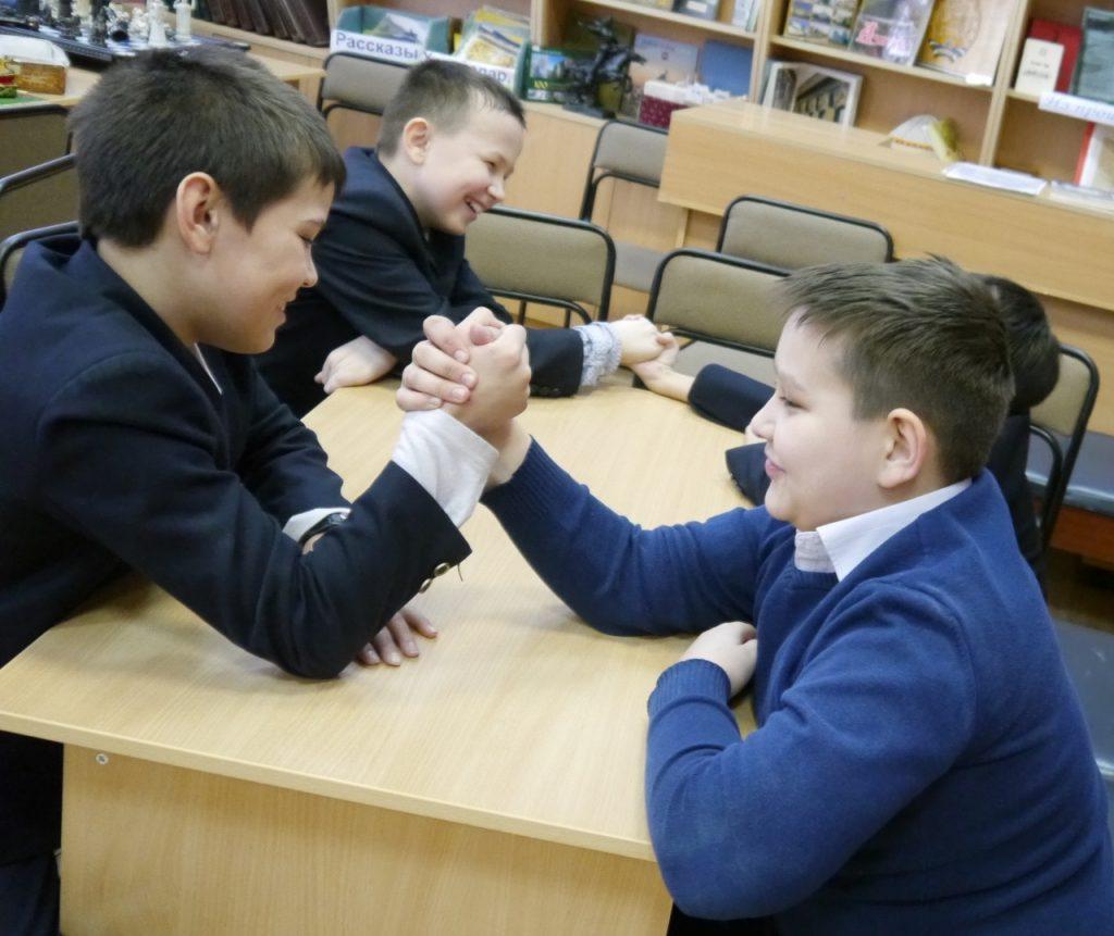 Конкурс армреслинг для детей