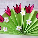 Фото 1: Поделка веер из цветной бумаги с цветами