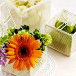 Фото 48: Цветочная композиция с герберой в коробке на 8 марта
