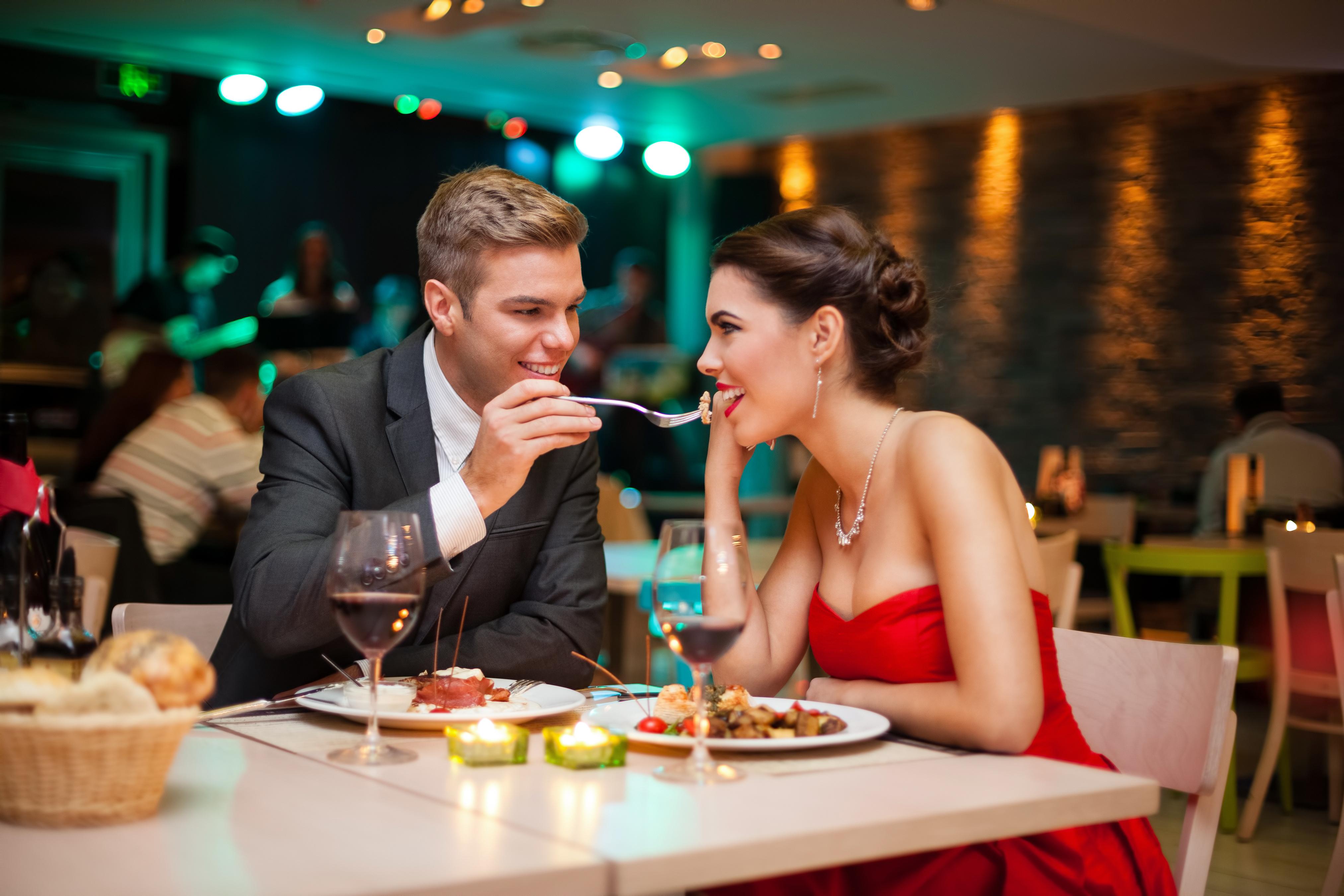 Романтический ужин на День Всех Влюбленных