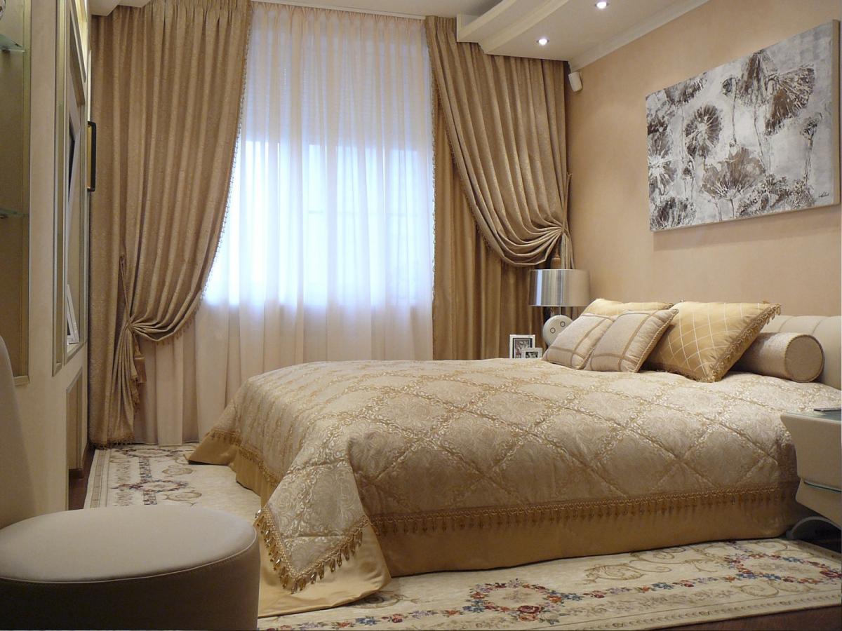 Классические шторы для спальни