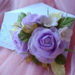 Фото 89: Конверт с цветами из гофрированной бумаги на 8 марта