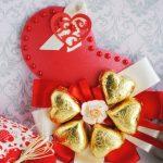 Фото 61: Подарок открытка с конфетами на 8 Марта своими руками