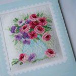 Фото 23: Открытка с вышивкой цветов на 8 марта