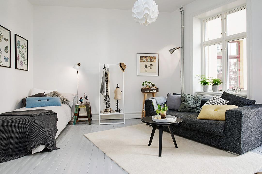 Если вы не специалист в дизайне, можете просто расставить вашу мебель по периметру квартиры