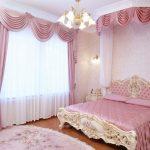 Фото 23: Шторы в спальне с мягкими ламбрекенами