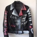 Фото 24: Кожаная куртка с надписями