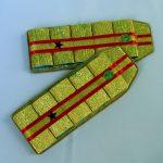 Фото 42: Оформление подарка на 23 февраля из шоколадных конфет в виде погонов