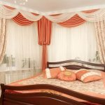 Фото 30: Шторы для спальни с угловым окном