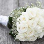 Фото 42: Букет из белых роз на 8 марта