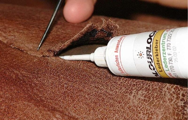 Заклеивание порыва или пореза на куртке