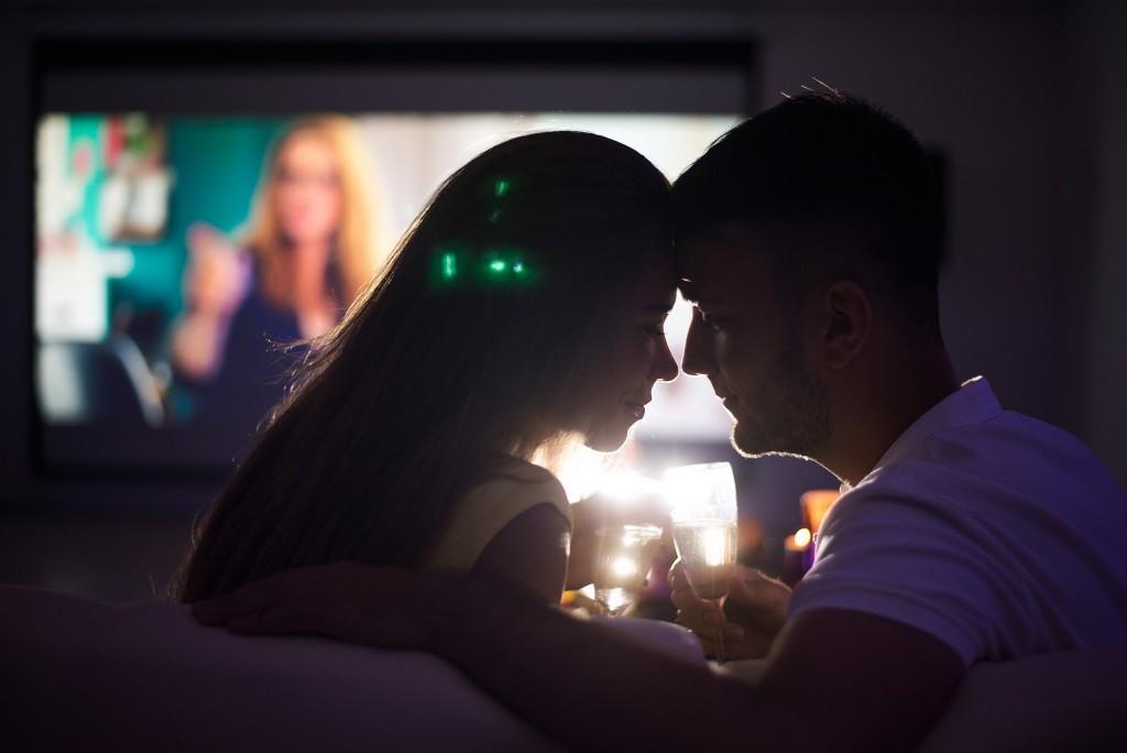 Романтический просмотр фильма