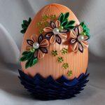 Фото 73: Украшение яйца канзаши с бусами