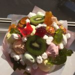 Фото 77: Букет из сладостей и фруктов