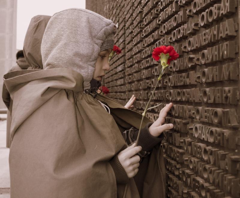 Посещение могилы неизвестного солдата на 23 февраля