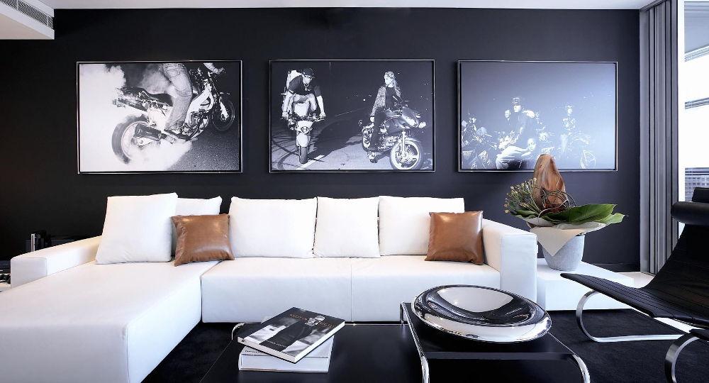 Правильно подобранные фотографии и рисунки на стенах подчеркнут особенности интерьера