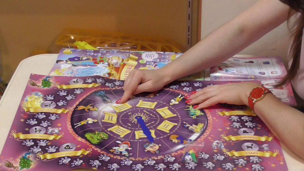 Настольные игры для девочек в подарок