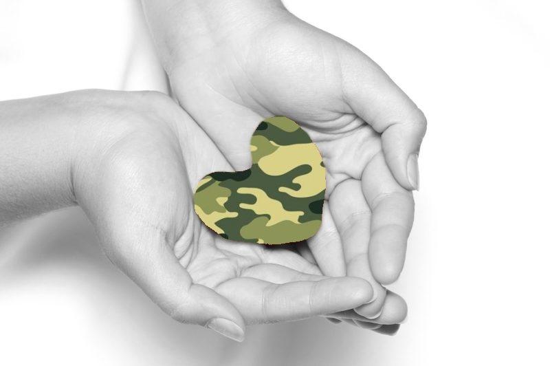 Подарок мужчине на День Защитника Отечества от сердца