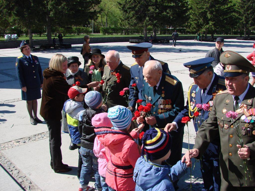 Общение детей с ветеранами на Дню Защитника Отечества 23 февраля