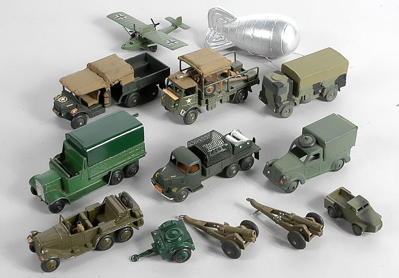 Военные машинки в подарок ко Дню Защитника Отечества
