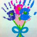 Фото 35: Рисунок букет цветов ладошками на 8 марта