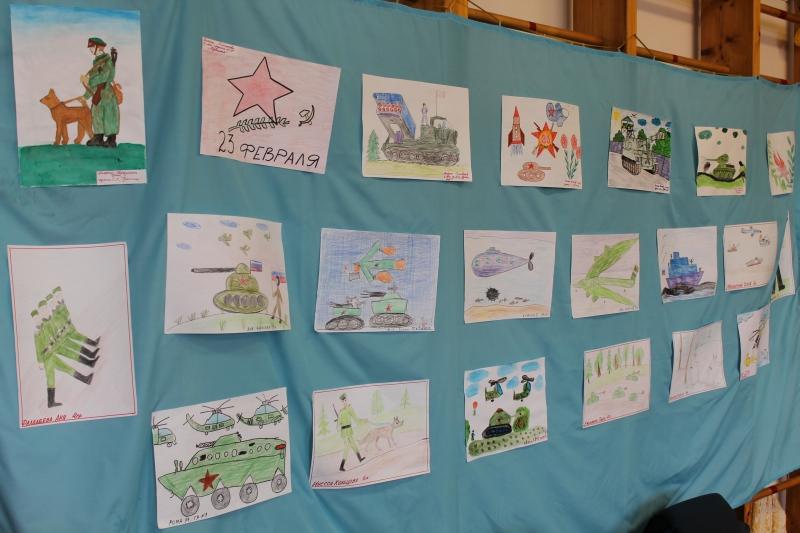 Выставка детских рисунков к 23 февраля в школе