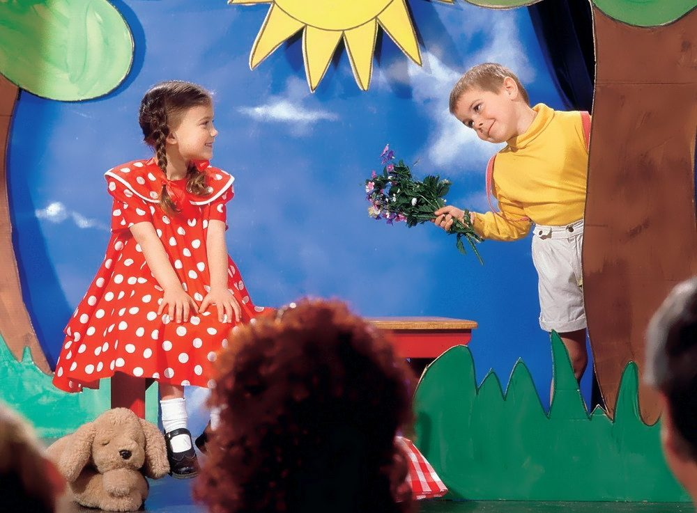 Сценки на 8 Марта в детском саду и школе