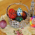 """Фото 87: Украшение яиц надписями """"Христос Воскрес"""""""