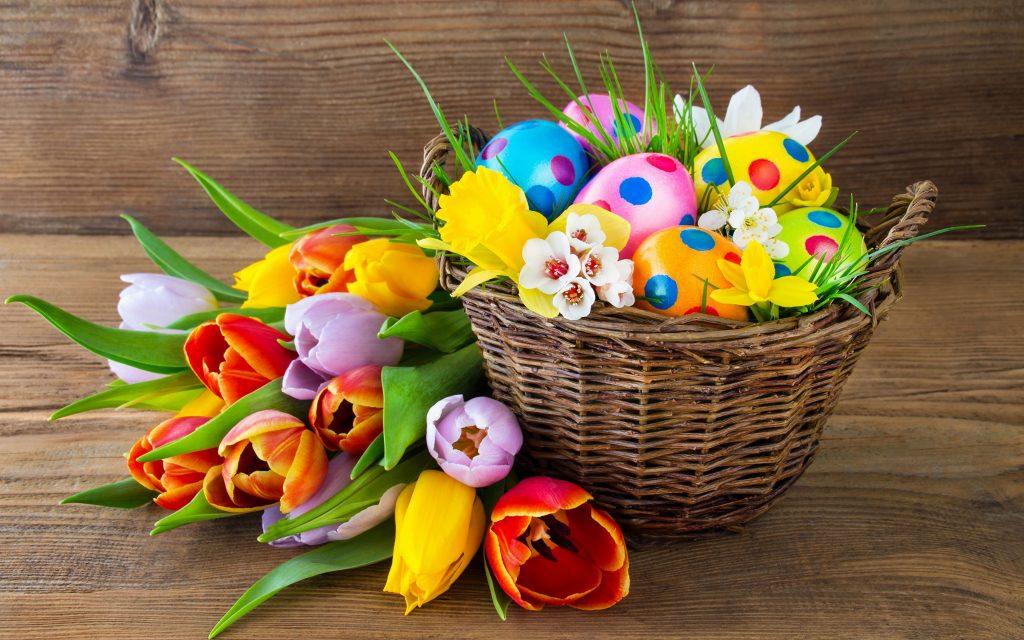 Яйца в корзинке к Пасхе