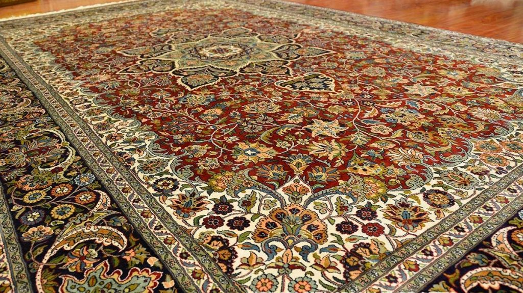 Шелковые ковры невероятно красивые и эстетичные из-за блеска ворсяного покрытия и точечного рисунка
