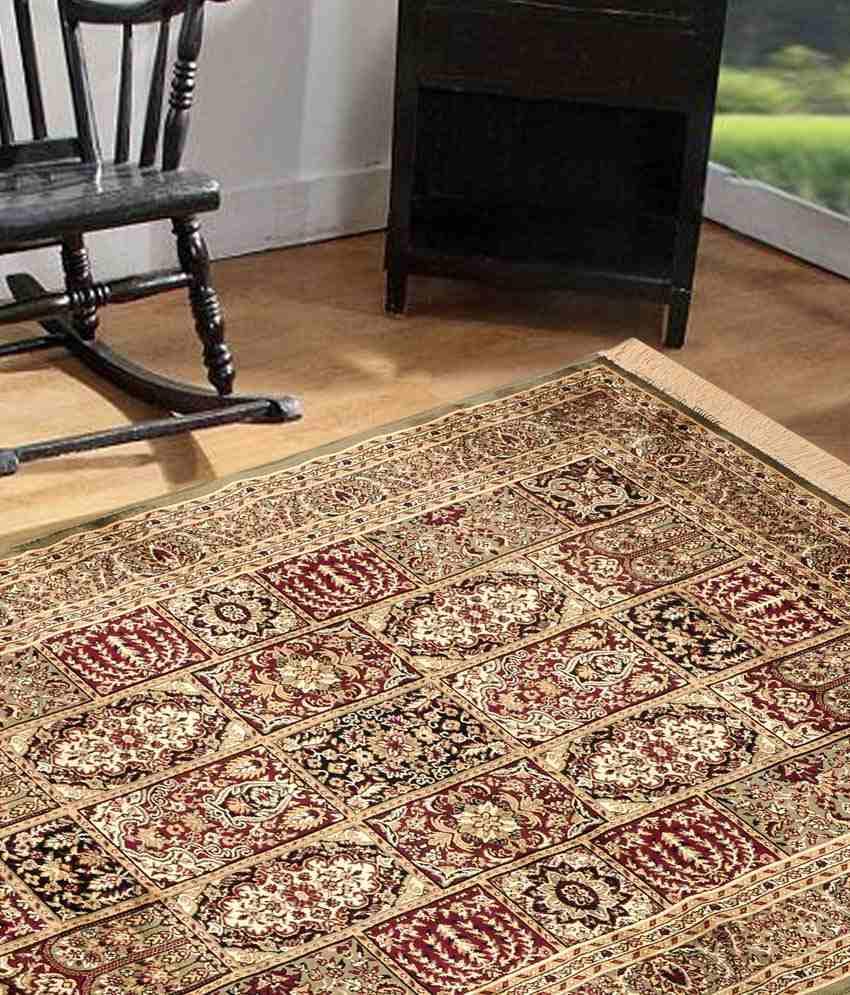 Из-за того, что шелк и вискоза похожи по своей структуре, блеску и красоте., вискозные ковры часто называют «синтетическим шелком»