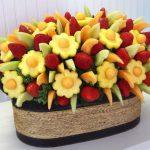 Фото 46: букет с ананасами в корзине