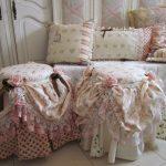 Фото 9: Диванные подушки в стиле шебби-шик
