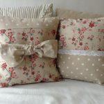 Фото 10: Диванные подушки в стиле прованс