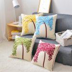Фото 47: Декор подушки вышивкой