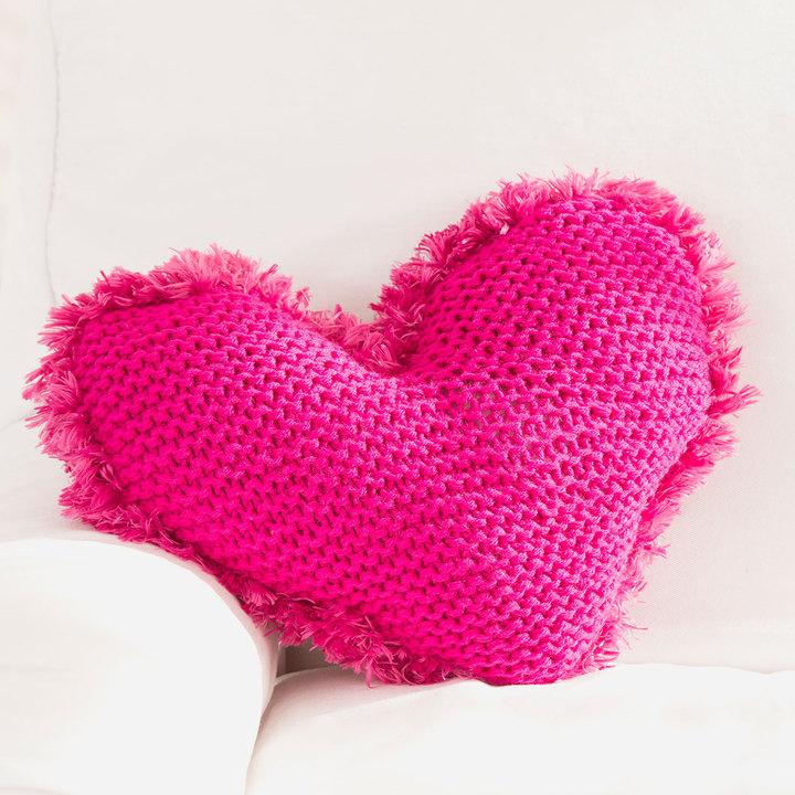 Подушка в виде сердца