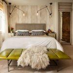 Фото 35: Красивый интерьер спальни в бежевом цвете
