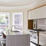 Фото 62: Кухня нежного бежевого цвета