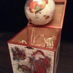 Фото 14: Новогдний шар с елкой