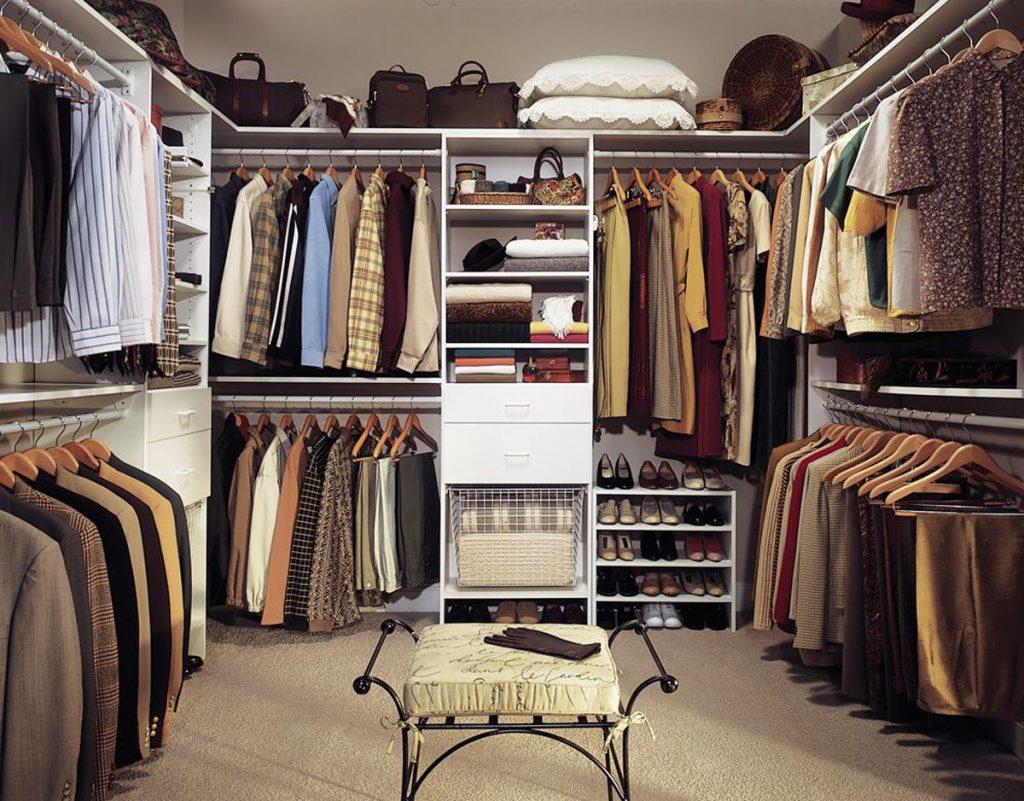 Переделка кладовки в гардеробную