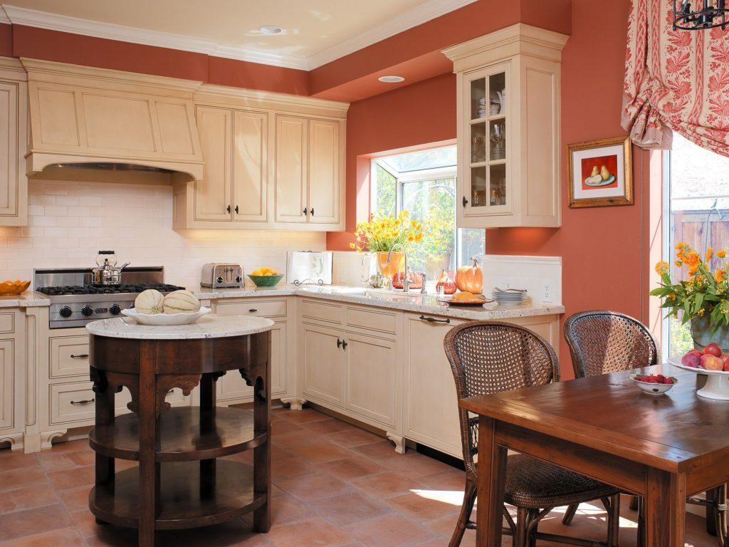 Персиковый и бежевый на кухне